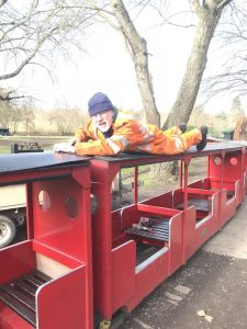 train-roof-fitting-audley-end-miniature-railway-terry-hartga