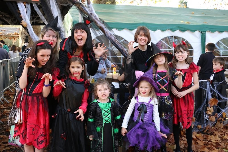 family-dressed-up-for-the-halloween-specials-at-audley-end