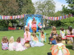 summer-fairy-and-elf-festival-live-singing-audley-end-miniature-railway