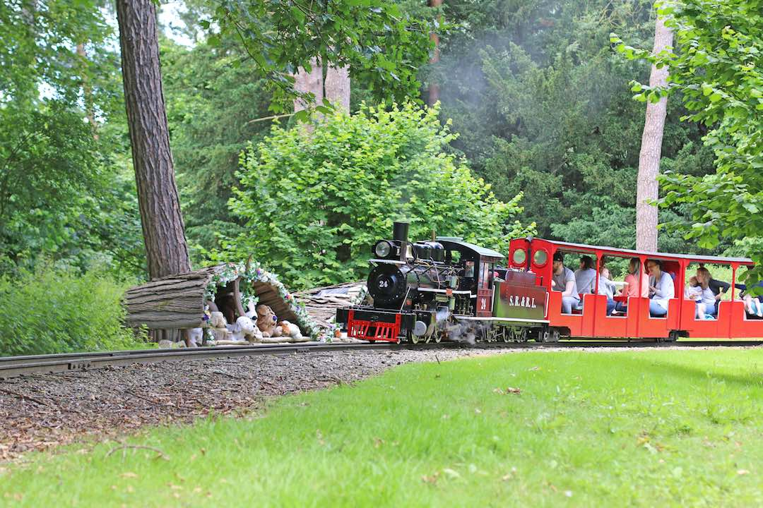 train-rides-essex-audley-end-miniature-railway