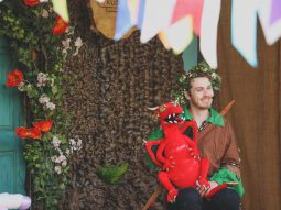 scorch-the-puppet-at-the-story-telling-shows-audley-end-miniature-railway