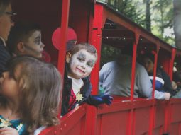halloween-train-rides-cambridge-audley-end-miniature-railway
